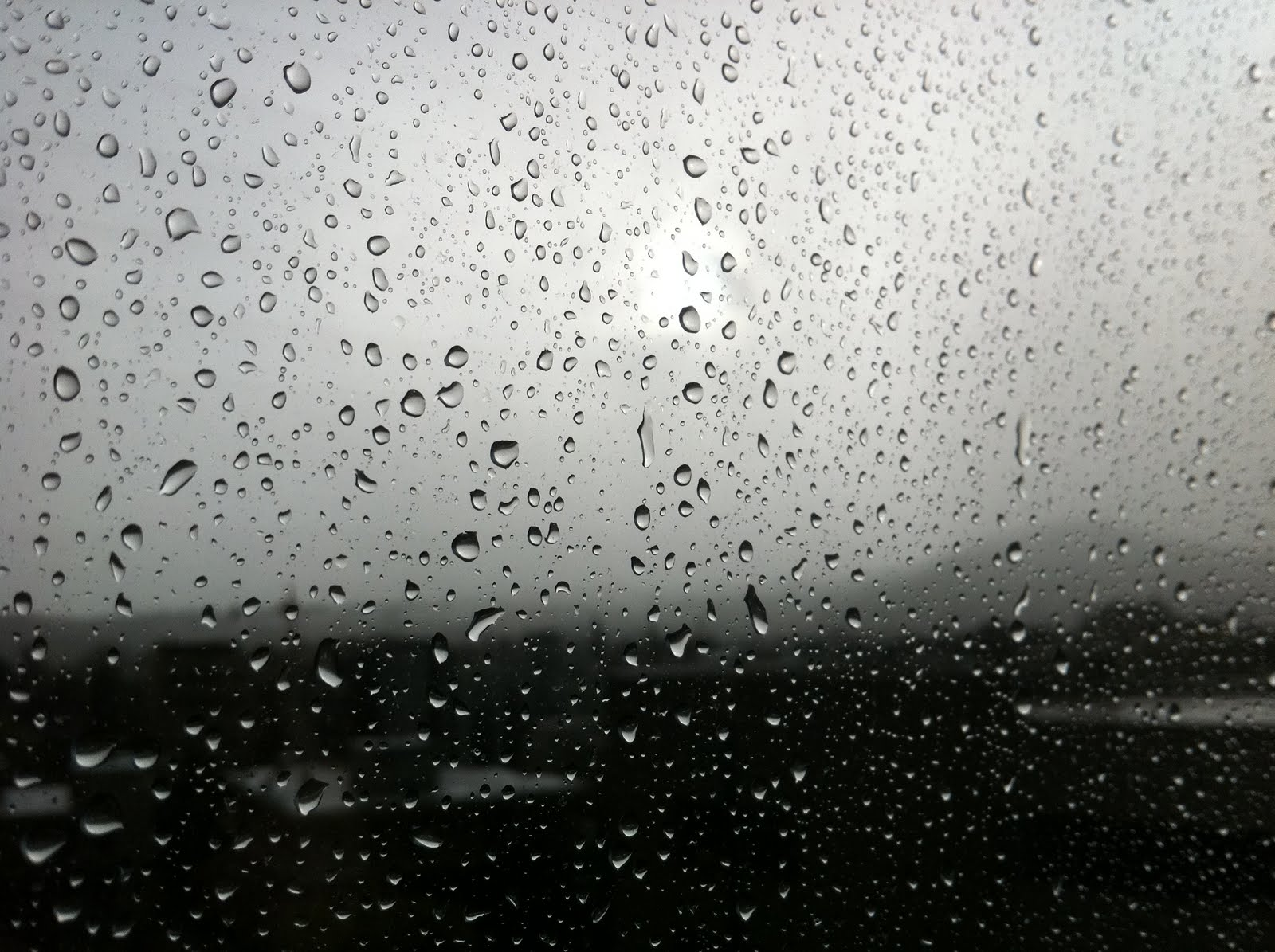 Αλλάζει ο καιρός, έρχονται βροχές