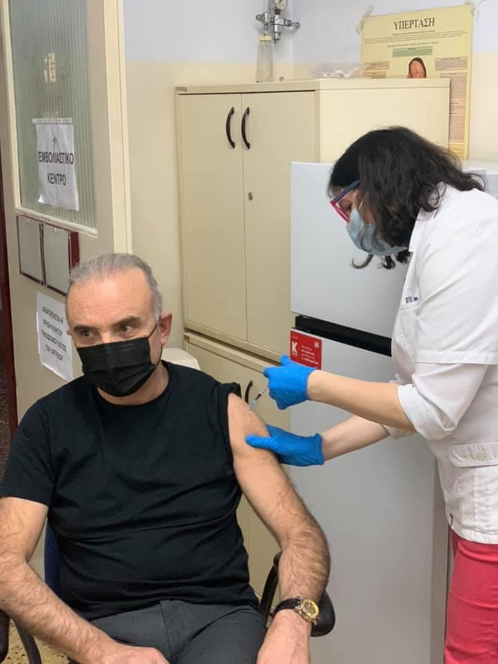 Εμβολιάστηκε ο Τσαμασλής