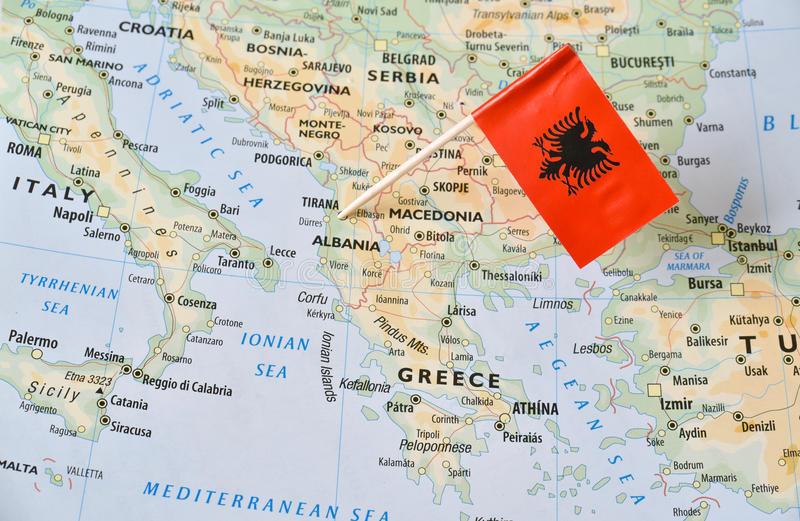 Αλβανοί του Θερμαϊκού ακυρώνουν το ταξίδι τους για τις εκλογές