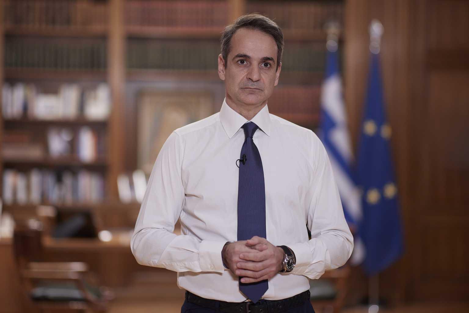 """Μητσοτάκης: """"Στα μαυρισμένα πρόσωπα βλέπω την Ελλάδα που αντιστέκεται"""" (ΒΙΝΤΕΟ)"""