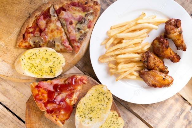 Πρώην Αφγανός υπουργός μοιράζει πίτσες και μπιφτέκια στη Γερμανία (ΒΙΝΤΕΟ)