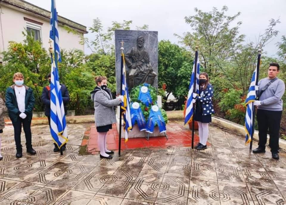 """""""Μετ΄ εμποδίων"""" η κατάθεση στεφάνων στο μνημείο του Μακεδονομάχου Δημόπουλου στην Επανομή"""