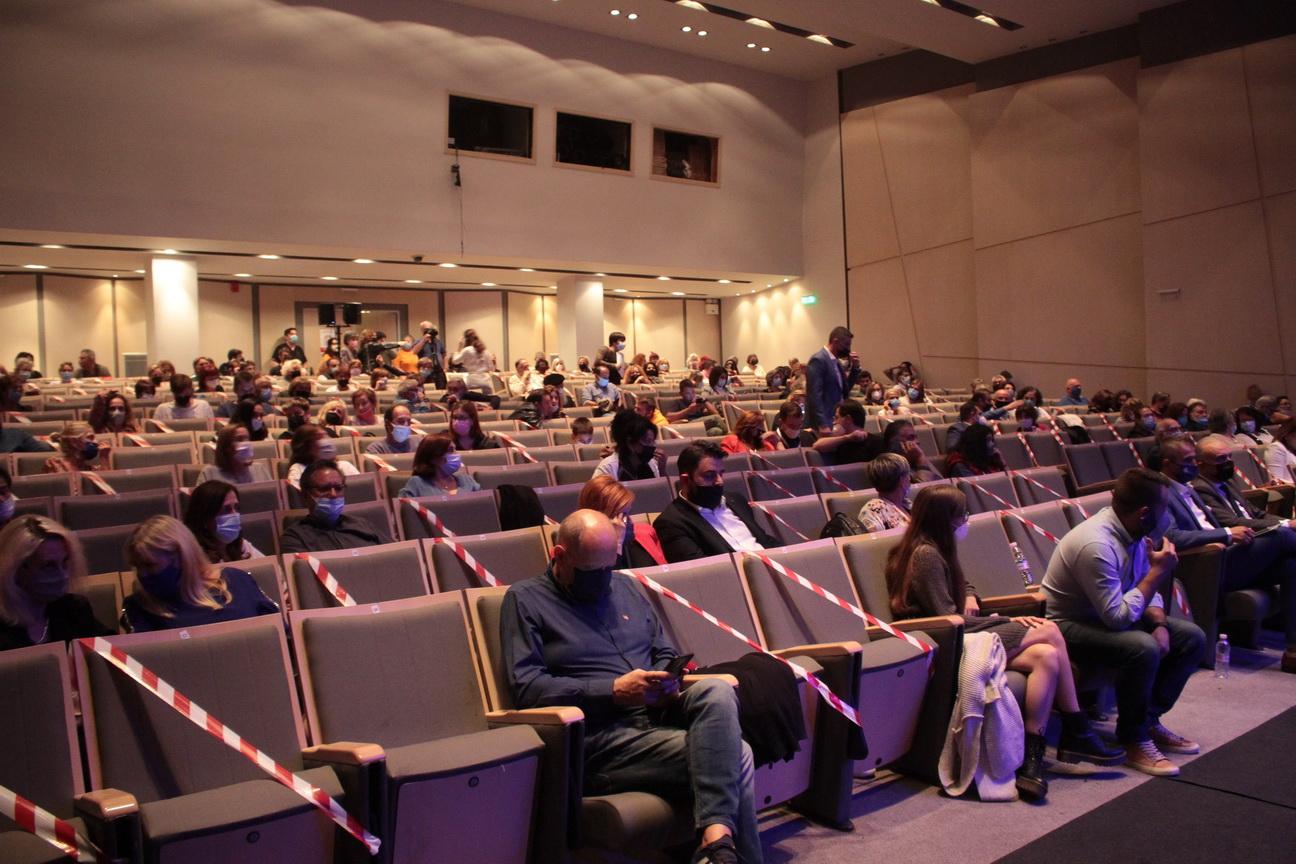 """Φεστιβάλ Θεάτρου: Αρχίζει το διαγωνιστικό μέρος με το έργο """"Οίκος Ενοχής"""""""