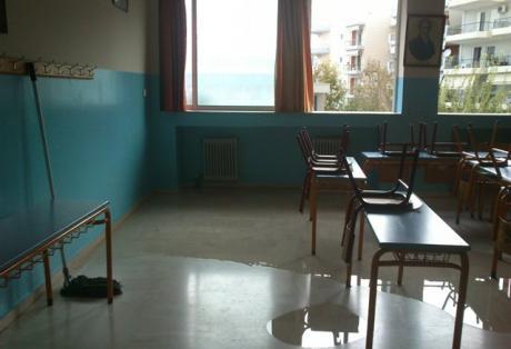 Αύξηση σοκ 126% κρουσμάτων στα σχολεία – Σαρώνει ο κορωνοϊός στα θρανία